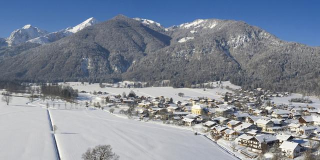 Bergsteigerdorf Schleching im Winter. Foto: Fotograpfie-Vordermeier.de