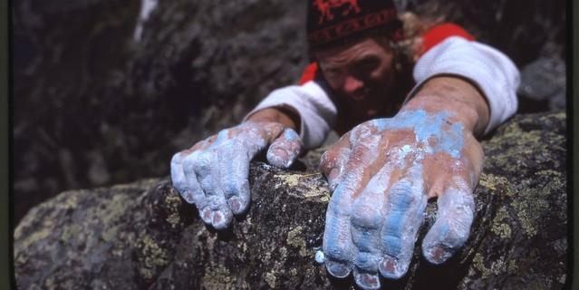 Klettern im Yosemite mit Baugewerbekalk statt Chalk an den Händen, Aufnahme Reinhard Karl, 1979. Copyright Archiv DAV