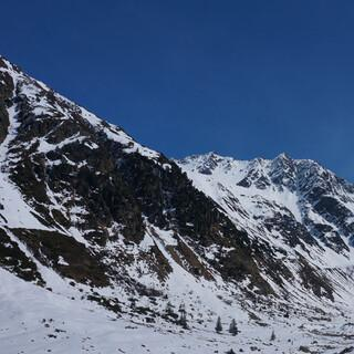 """Durch das """"Gries-Tal"""" würde die 3S-Umlaufbahn von Mittelberg zum Skizentrum unterhalb des Mittelbergferners verlaufen. Foto: Tobias Hipp"""