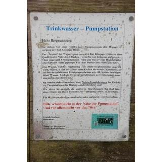 Bitte keine Notdurft in der Nähe der Pumpstation der Bad Kissinger Hütte, um 2005. Foto: Stefan Ritter