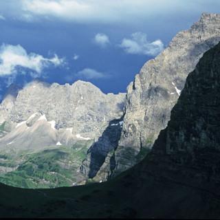 Am Wochenende muss man wie hier am Hohljoch (Karwendel) mit Gewittern rechnen. Foto: M. Pröttel