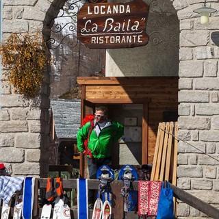 Im abgelegenen Weiler Crampiolo im Devero-Hochtal finden Skibergsteiger einsame Gipfel und charmante Unterkünfte. Foto: Powerpress.ch