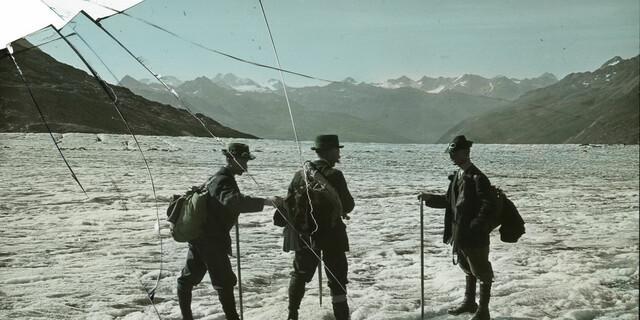 Auf dem Gurgler Ferner (Ötztaler Alpen). Aufnahme Otto Schob, um 1910