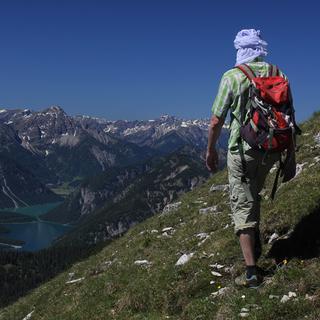Am Sonntag dürfte es in den Ammergauer Alpen (wie hier an den Geierköpfen) wieder sonnig sein. Foto Pröttel