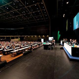 Stadthalle Bielefeld: Die DAV-Delegierten tagen. Foto: Nils Noell