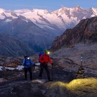 Frühmorgendlicher Aufstieg von der der Almageller Hütte Richtung Zwischbergenpass, Foto: Iris Kürschner