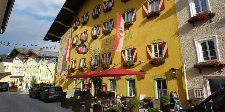 Taurista: Im historischen Ortskern von Radstadt lässt es sich gut erholen, ehe die nächste Etappe ansteht. Foto: Traian Grigorian