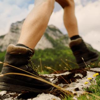 Mit jedem Schritt sich selbst spüren #spüredichselbst. Bild: Bergader