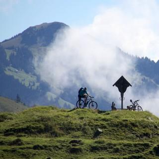 Bergsteigerdörfer Schleching & Sachrang: mit dem Mountainbike in den Chiemgauer Alpen.