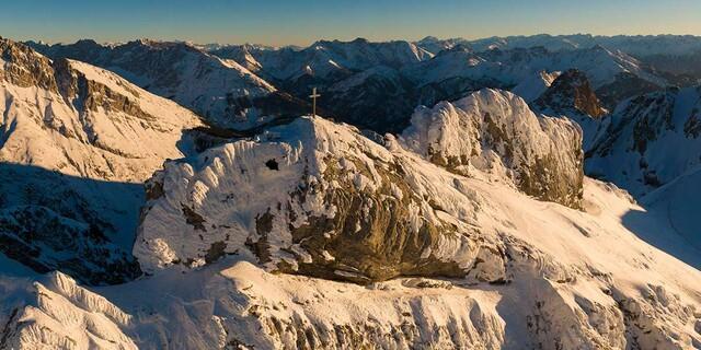 Westliche Karwendelspitze im Sonnenaufgang, Foto: Wolfgang Ehn