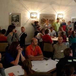 Reger Austausch im World Café, Foto: JDAV/ Arne Hamann