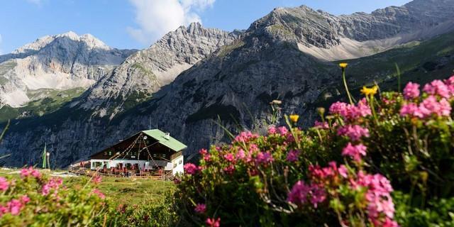Die Pfeishütte im Karwendel schließt voraussichtlich am 9.10., Foto: Wolfgang Ehn