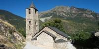 Die romanischen Kirchen des Vall de Boi, einem der wichtigsten Zugangstäler des Nationalparks, zählen zum UNESCO-Weltkulturerbe. Foto: Annika Müller