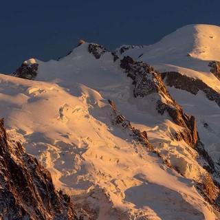 Mont Blanc du Tacul, Aiguille du Midi, Mont Maudit und Mont Blanc, Foto: Andreas Strauss