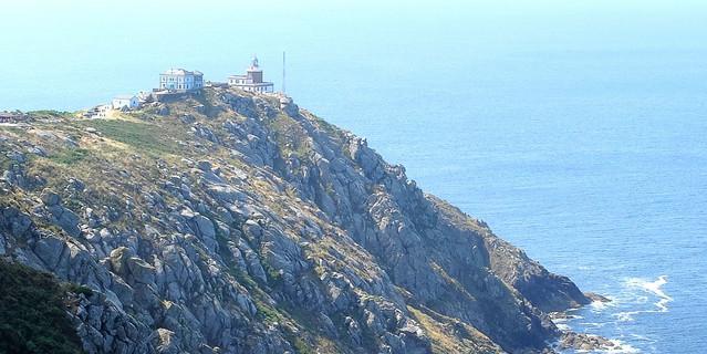 Das Ende des Camiño dos Faros – der 1853 erbaute Leuchtturm am Kap Finisterre. Foto: Eberhard Neubronner