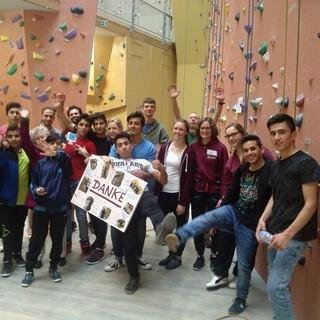 Das Kletterzentrum Neoliet bietet in Zusammenarbeit mit dem Mülheimer Alpenverein Klettern für Flüchtlinge an.