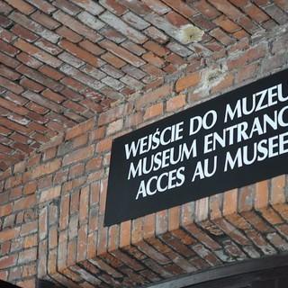 Eingang zum Museum Auschwitz, (c) Jonas Freihart