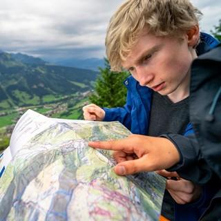Eine ordentliche Karte erleichtert die Tourenplanung und verhindert unangenehme Überraschungen. Foto: JDAV/Silvan Metz
