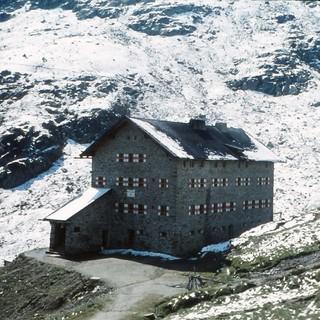 Die Martin-Busch-Hütte liegt auf der E5-Variante auf dem Weg nach Südtirol.