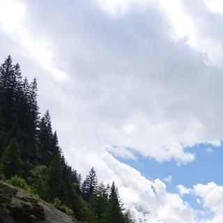 30.5., 12:09 – jetzt aber: vom Col des Montets geht es nur noch abwärts zum Montblanc.