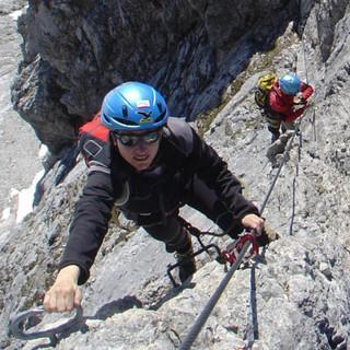 Tiefblick beim Klettersteiggehen, Königsjodler, Hochkönig, Salzburg, Österreich
