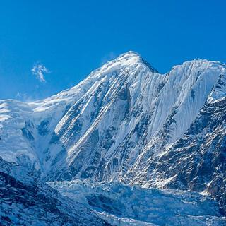 Himalaja - Hochgebirge der Extreme. Eismassen und Steilflanken am Gangapurna, 7.455 m. Foto: Tobias Hipp