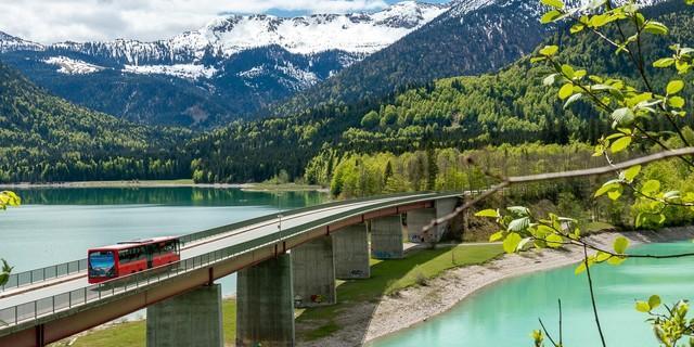 Öffentlich ans Ziel mit dem Bergsteigerbus: Sylvenstein, Hinterriss, Eng