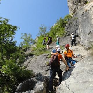 Ob Wanderung oder Klettersteig: Das Miteinander steht im Vordergrund. Foto: Achim Haug.