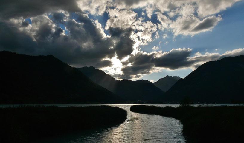 Achensee - Der Achensee lädt zum Bad. Die Haare trocknen bei der Abfahrt ins Inntal.