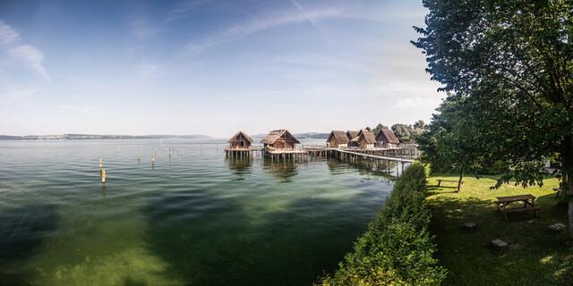 Pfahlbauten Unteruhldingen am Bodensee. Foto: Pfahlbauten/M. Schellinger