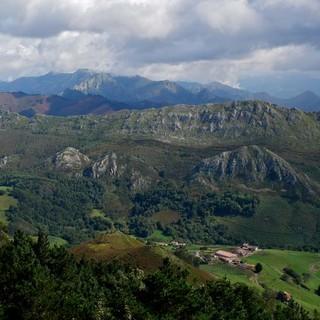 Mirador del Fito – großartiger Aussichtspunkt zwischen Meer und Gebirge. Foto: Antes & Antes