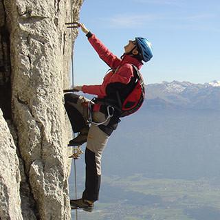 Klettersteig in luftigen Höhen. Foto: DAV