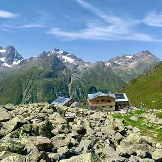 Die Rüsselsheimer Hütte im ruhigen Pitztal, Foto: Tabea Kirschner