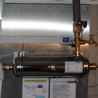 Trinkwasseraufbereitung mit Hilfe einer UV-Anlage, Foto: Archiv DAV