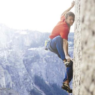Tommy Caldwell in der Dawn Wall - Foto: Red Bull Media/Brett Lowell