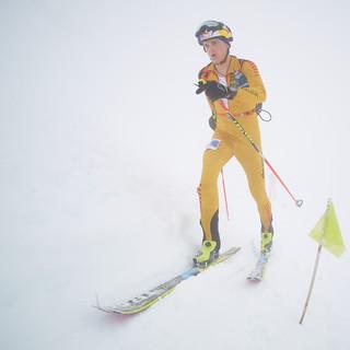 Toni Palzer auf dem Weg durch den Nebel zum 3. Platz, Foto: Seebacher