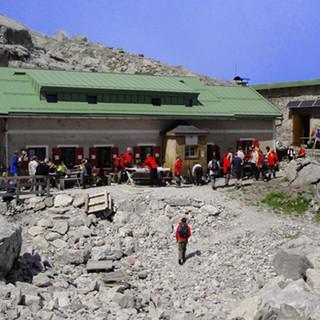 Wiener Neustädter Hütte - Am Beginn des Österreichischen Schneekars steht die Wiener Neustädter Hütte des Österreichischen Touristenklubs.