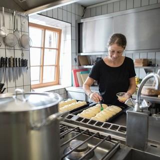 Die Gastronomie wird an die Hüttenwirtsleute verpachtet, Fotocredit: DAV/ Jens Klatt