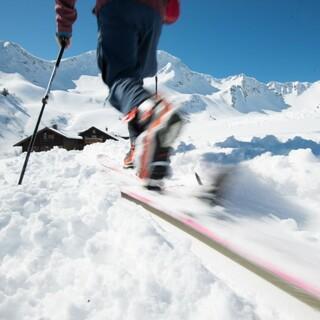Natürlich auf Tour: Aufstieg Skitour. Foto: DAV / Terragraphy.de
