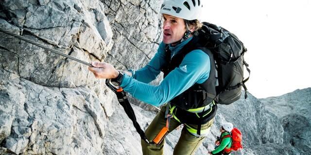 Klettersteigpassage - Im zweiten Abschnitt des Grates finden sich einige drahtseilversicherte Passagen mit Schwierigkeiten bis D.
