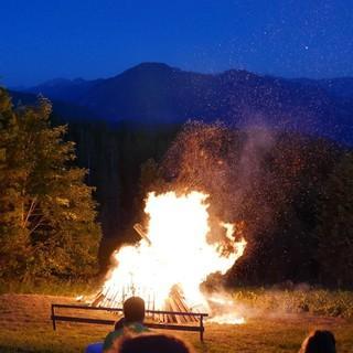 Sonnwendfeuer auf der Neureuth, Foto: DAV/Nadine Ormo