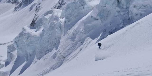 Von jetzt an geht's bergab: die finale Gletscherabfahrt nach Zermatt, Foto: Stefan Herbke