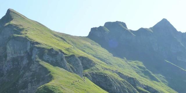Die Abstiegsoption über den Laufbacher-Eck-Weg nach Oberstdorf verlängert die Hüttentour um einen Tag und bringt viele neue Eindrücke in die Oberstdorfer Bergwelt. Foto: Gaby Funk