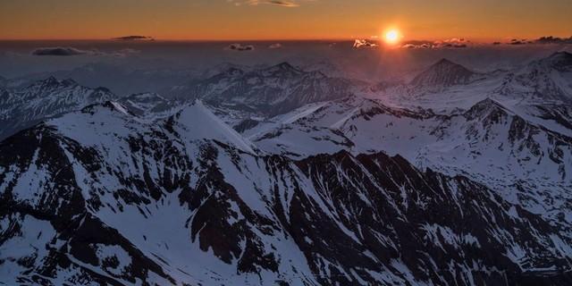 Sonnenaufgang vom Gipfel des Großglockners. Foto: Heinz Zak