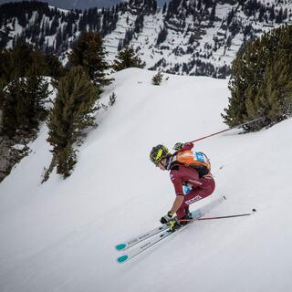 Stefan Knopf wird auch bei der Pierra Menta wieder rasant die Berghänge hinunterfahren - Foto: Maurizio Torri