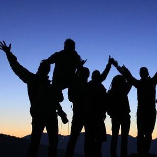 Gruppenfoto vor Sonnenuntergang, Stefan Olbert