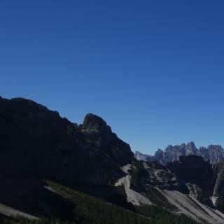 """Truoi dai Sclops - <p>Vom Höhenweg """"Truoi dai Sclops"""" reicht der Blick weit über die Friulanischen Dolomiten – hinten die """"Spalti di Toro"""".</p>"""