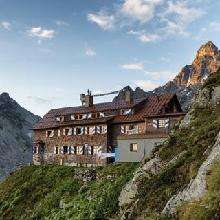 Die Saarbrücker Hütte, Foto: Montafon Tourismus GmbH – Andreas Haller