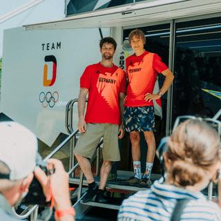 Die beiden Olympia-Teilnehmer im Sportklettern für Deutschland: Jan Hojer (links) und Alexander Megos. Foto: Team Deutschland/Max Galys