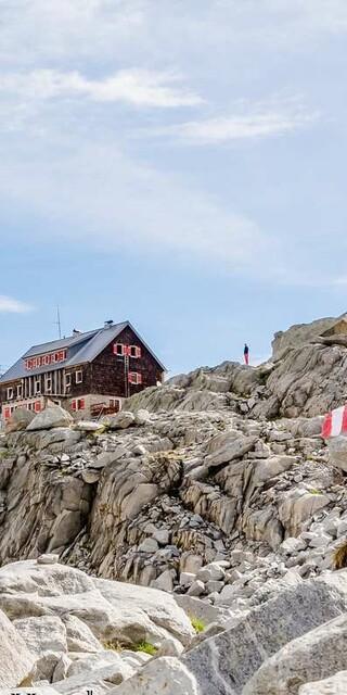 Die Barmer Hütte in der Rieserfernergruppe, Foto: Christof Ursch